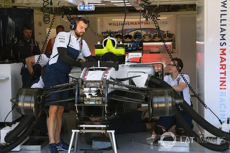 El Williams de Felipe Massa, FW40 Williams está preparándose para Paul di Resta, Williams