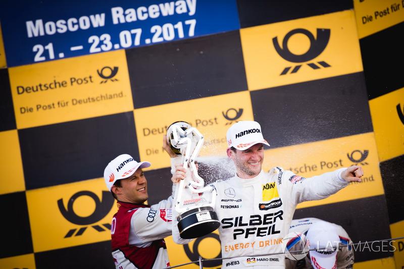 Подіум: Маттіас Екстрьом, Audi Sport Team Abt Sportsline, Audi A5 DTM та Маро Енгель, Mercedes-AMG T