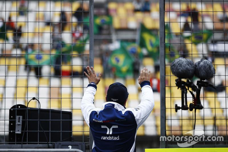 Felipe Massa, Williams, salue les fans