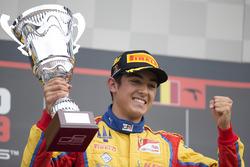 Il vincitore Giuliano Alesi, Trident