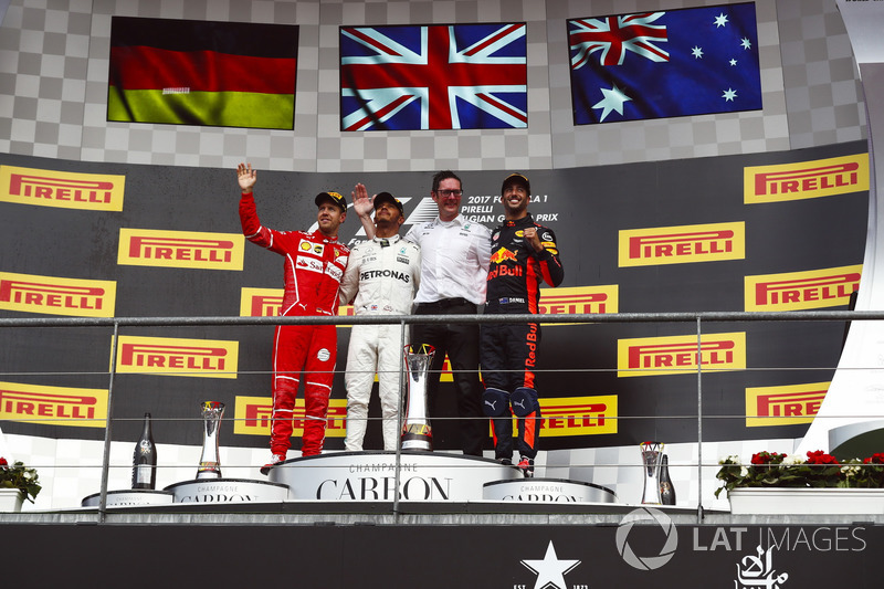 Podium: second place Sebastian Vettel, Ferrari, Race winner Lewis Hamilton, Mercedes AMG F1, Andrew Shovlin, Chief Race Engineer, Mercedes AMG F1, third place Daniel Ricciardo, Red Bull Racing