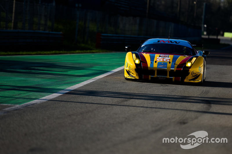 #66 JMW Motorsport, Ferrari F458 Italia: Robert Smith