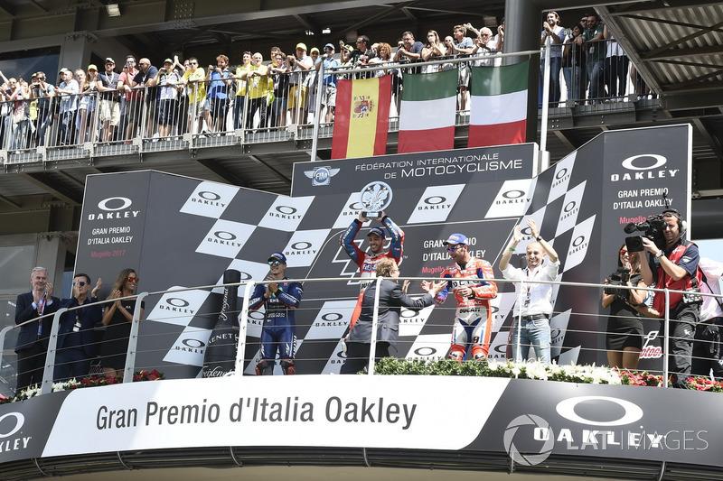 Podium: segundo, Maverick Viñales, Yamaha Factory Racing, ganador, Andrea Dovizioso, Ducati Team, te