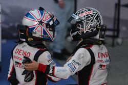#6 Toyota Racing Toyota TS050 Hybrid: Камуи Кобаяши; #5 Toyota Racing Toyota TS050 Hybrid: Энтони Дэ