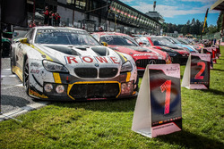 #99 Rowe Racing, BMW M6 GT3: Maxime Martin, Philipp Eng, Alexander Sims nel parco chiuso