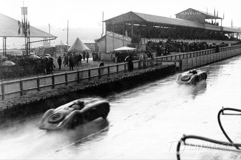1937 год. Два Bugatti T57G