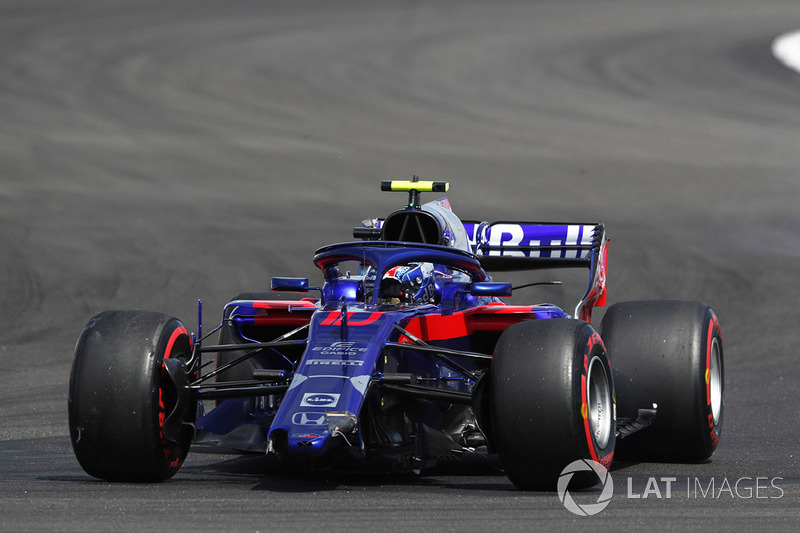 Pierre Gasly, Toro Rosso STR13, avec un aileron avant cassé