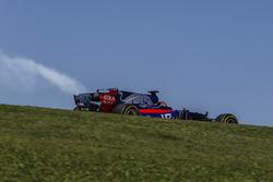 Brendon Hartley, Scuderia Toro Rosso STR12 with engine failure in FP1