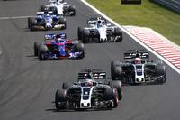 Romain Grosjean, Haas F1 Team VF-17, Kevin Magnussen, Haas F1 Team VF-17, Daniil Kvyat, Scuderia Toro Rosso STR12, Lance Stroll, Williams FW40, Pascal Wehrlein, Sauber C36-Ferrari, Paul di Resta, Williams FW40