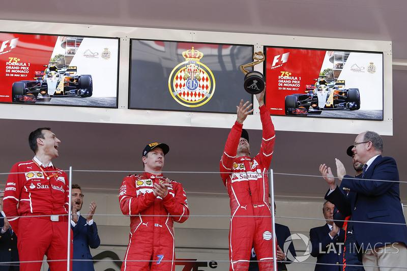 Ріккардо Адамі, гоночний інженер Ferrari, Кімі Райкконен, Ferrari та Себастьян Феттель, Ferrari