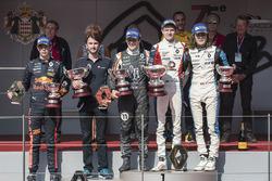 Podio: il vincitore della gara Will Palmer, R-ace GP, il secondo classificato Sacha Fenestraz, Josef Kaufmann Racing, il terzo classificato Max Defourny, R-ace GP