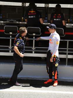 Руководитель Red Bull Racing Кристиан Хорнер, гонщик команды Макс Ферстаппен