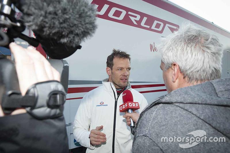 Alexander Wurz habla a los medios en el World RX Team Austria Ford Fiesta test