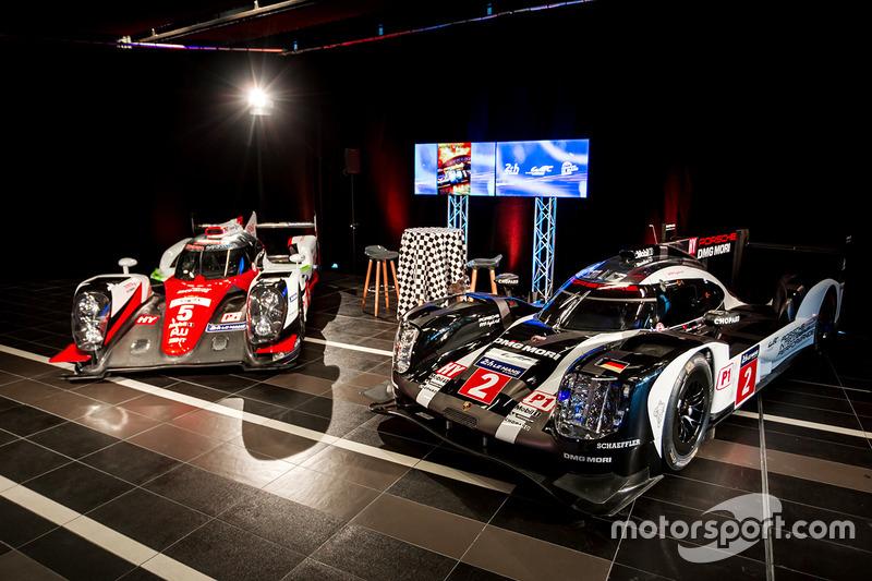 Coches de Toyota y Porsche LMP1 en exhibición