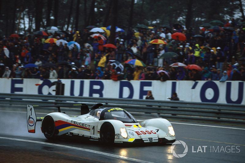 1992: Derek Warwick, Yannick Dalmas, Mark Blundell, Peugeot 905 Evo 1B
