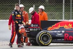 Max Verstappen, Red Bull Racing RB13, stops on track