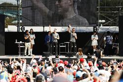 Stoffel Vandoorne, McLaren, Jenson Button, McLaren, sahnede