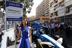 A gird girl for Sébastien Buemi, Renault e.Dams