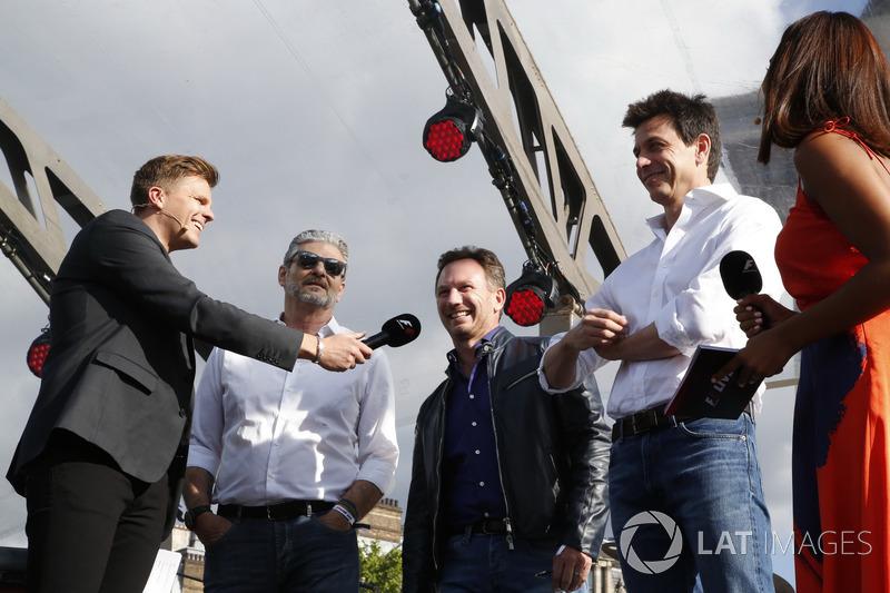 Jake Humphrey mit Maurizio Arrivabene, Ferrari, Christian Horner, Red Bull Racing, Toto Wolff, Merce