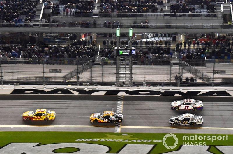 Winner Joey Logano, Team Penske, Ford Mustang Shell Pennzoil