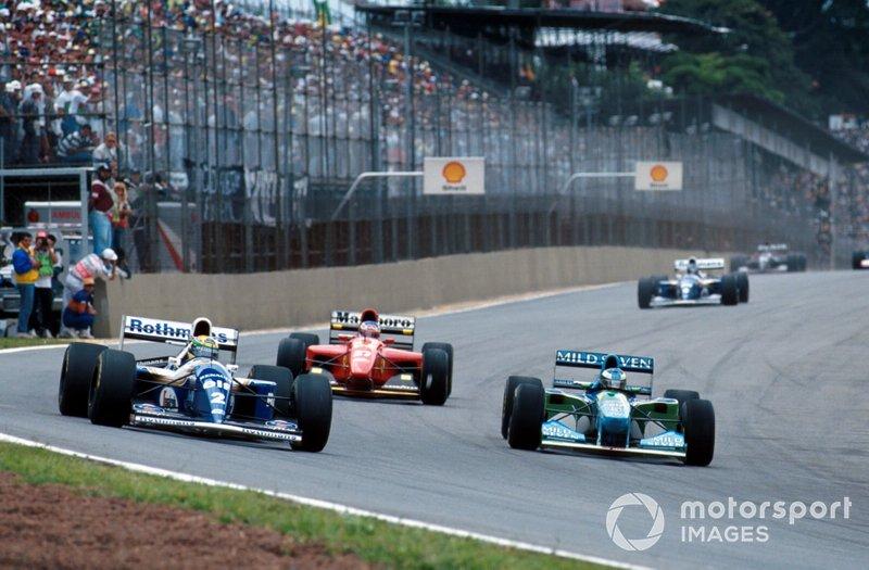 Michael Schumacher, Benetton B194, et Ayrton Senna, Williams FW16
