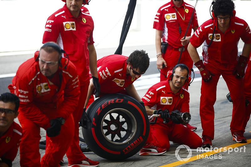 Mekanik Ferrari dengan kompon supersoft