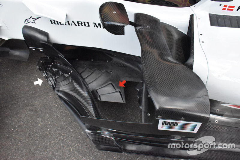 Haas F1 Team VF-18, floor