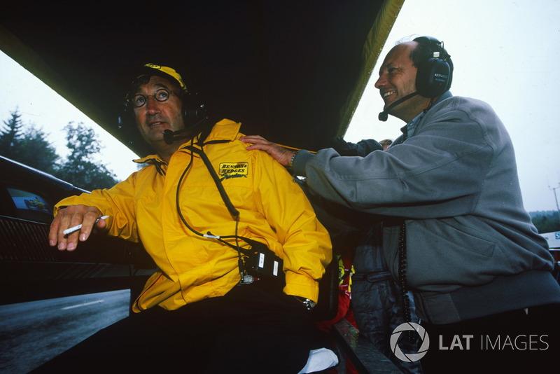 Ближе к завершению гонки поздравить Эдди Джордана пришел довольный Рон Деннис. Хотя обе его машины остались без очков, заработать их не смогли и в Ferrari