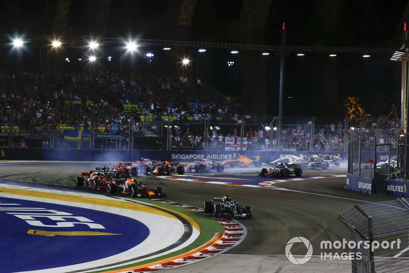 Lewis Hamilton, Mercedes AMG F1 W09 EQ Power+, Max Verstappen, Red Bull Racing RB14 y Sebastian Vettel, Ferrari SF71H