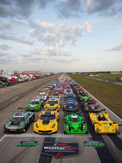 Групове фото машин 2016 року