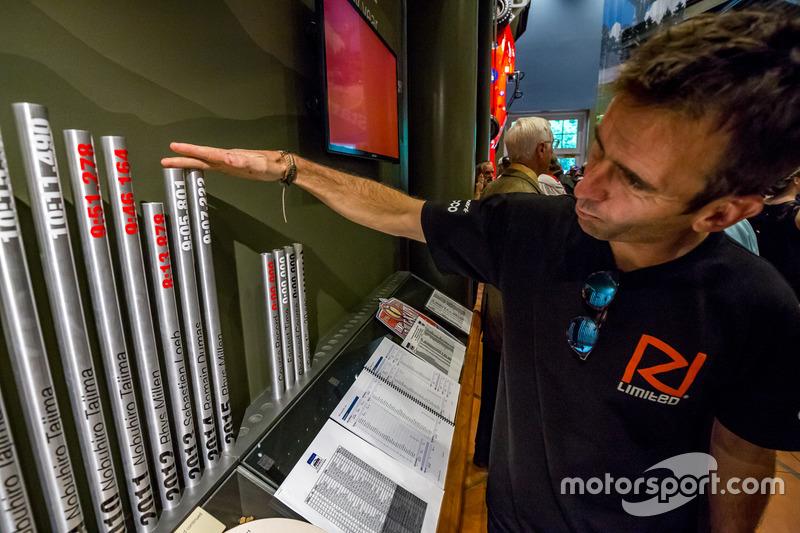 Romain Dumas, eski yılların sonuçlarını inceliyor