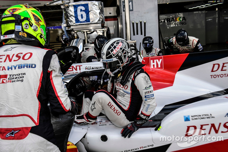 #6 Toyota Racing Toyota TS050 Hybrid: Mike Conway, Kamui Kobayashi
