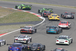 Start action; #19 GRT Grasser Racing Team, Lamborghini Huracan GT3: Michele Beretta, Andrea Piccini,