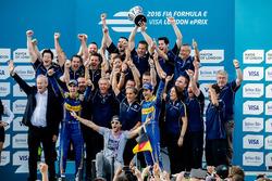 Nicolas Prost, Renault e.Dams y Sébastien Buemi, Renault e.Dams celebra el campeonato de pilotos y d