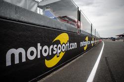 Motorsport.com trackside banners