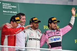 Победитель Льюис Хэмилтон, Mercedes AMG F1, второе место – Кими Райкконен, Ferrari, третье место – Серхио Перес, Sahara Force India F1