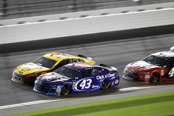 Darrell Wallace Jr., Richard Petty Motorsports Ford Fusion, Joey Logano, Team Penske Ford Fusion