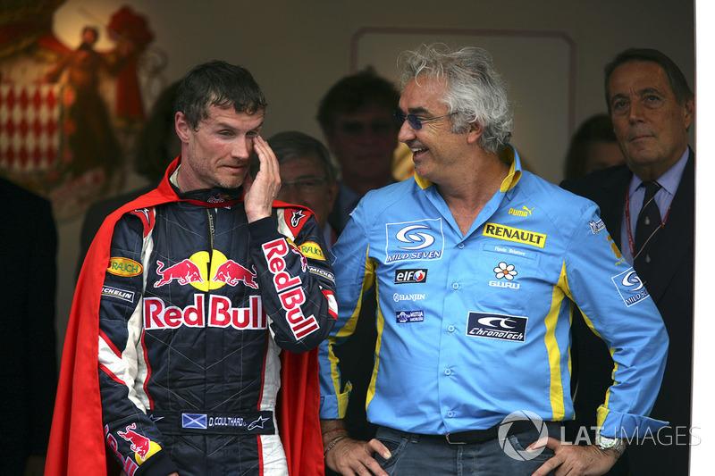Podio: tercer puesto David Coulthard, Red Bull Racing, Flavio Briatore, director general de Renault F1