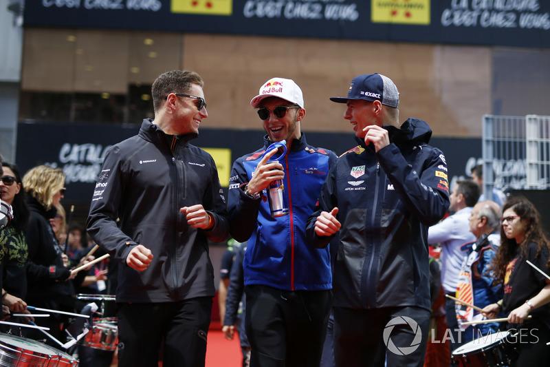 Stoffel Vandoorne, McLaren MCL33, Pierre Gasly, Scuderia Toro Rosso ve Max Verstappen, Red Bull Racing pilotlar geçit töreninde