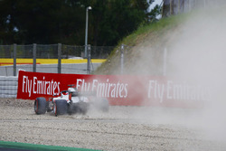 Romain Grosjean, Haas F1 Team VF-18, runs wide