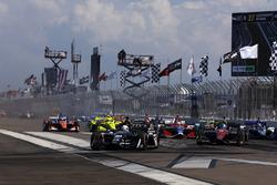 Jordan King, Ed Carpenter Racing Chevrolet leads