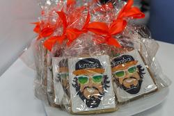 Fernando Alonso, pastel de cumpleaños de McLaren