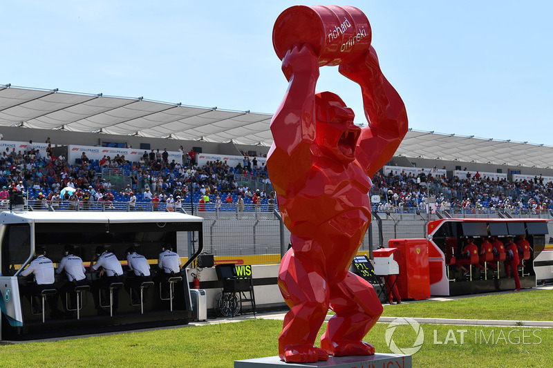 Pit lane sculpture