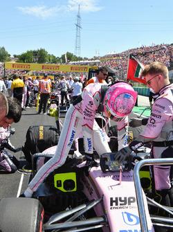 Esteban Ocon, Force India VJM10 on the grid