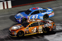 Kevin Harvick, Stewart-Haas Racing Ford, Aric Almirola, Richard Petty Motorsports Ford