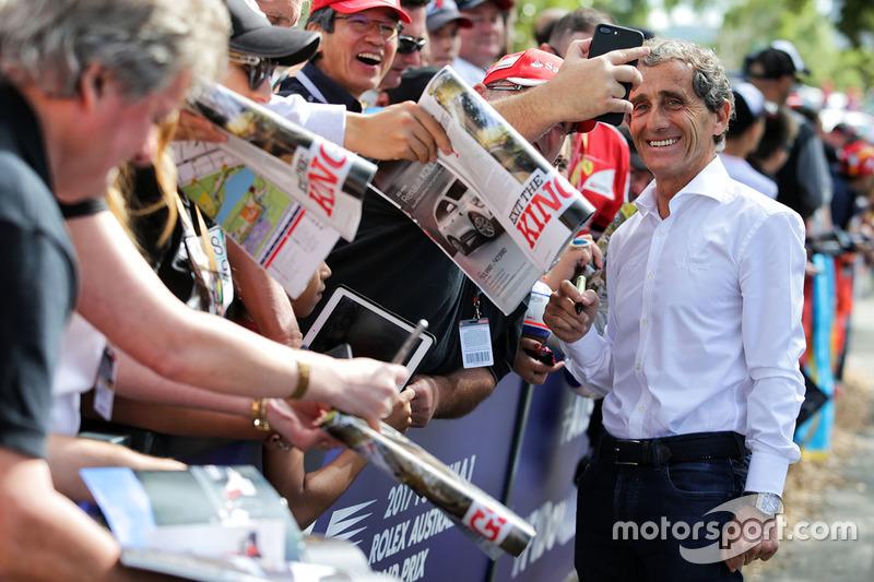 Alain Prost, Renault, schreibt Autogramme