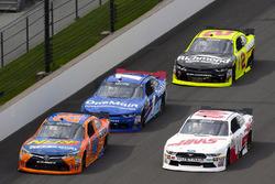 Эрик Джонс, Joe Gibbs Racing Toyota и Коул Кастер, Stewart-Haas Racing Ford