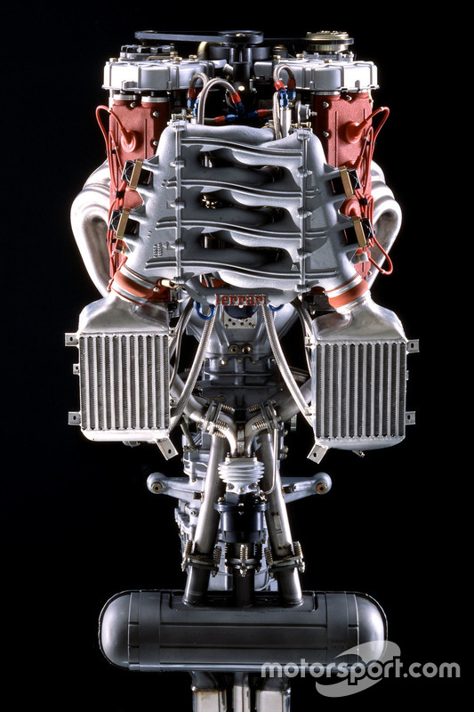Двигун Ferrari F40