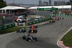 Льюіс Хемітон, Валттері Боттас, Mercedes-Benz F1 W08Макс Ферстаппен, Red Bull Racing RB13