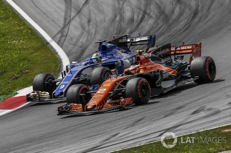 Стоффель Вандорн, McLaren MCL32, Маркус Ерікссон, Sauber C36